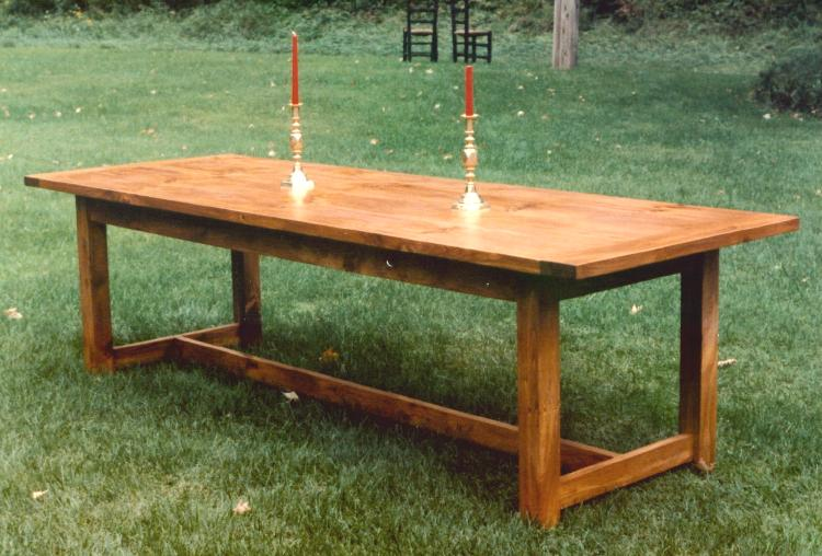 http://www.falconwoodworks.com/Country%20Dining%20Table.jpg